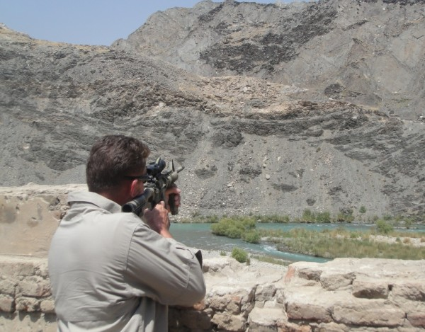 glassing the ridge from ANP fighting position on Rte 1 - the AGE firing points are outside the range of rifles